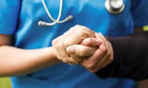Υπουργείο Υγείας: Ετοιμάζει μονάδες ανακουφιστικής φροντίδας για ασθενείς με αλτσχάιμερ