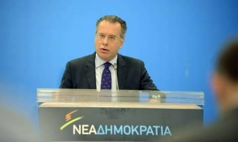 Κουμουτσάκος: Καταδικάζουμε απερίφραστα τις επιθέσεις στα γραφεία του ΣΥΡΙΖΑ και των ΑΝΕΛ