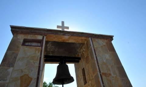 Ηράκλειο: Πρωτοφανές! Πέταξαν γκαζάκια σε εκκλησία