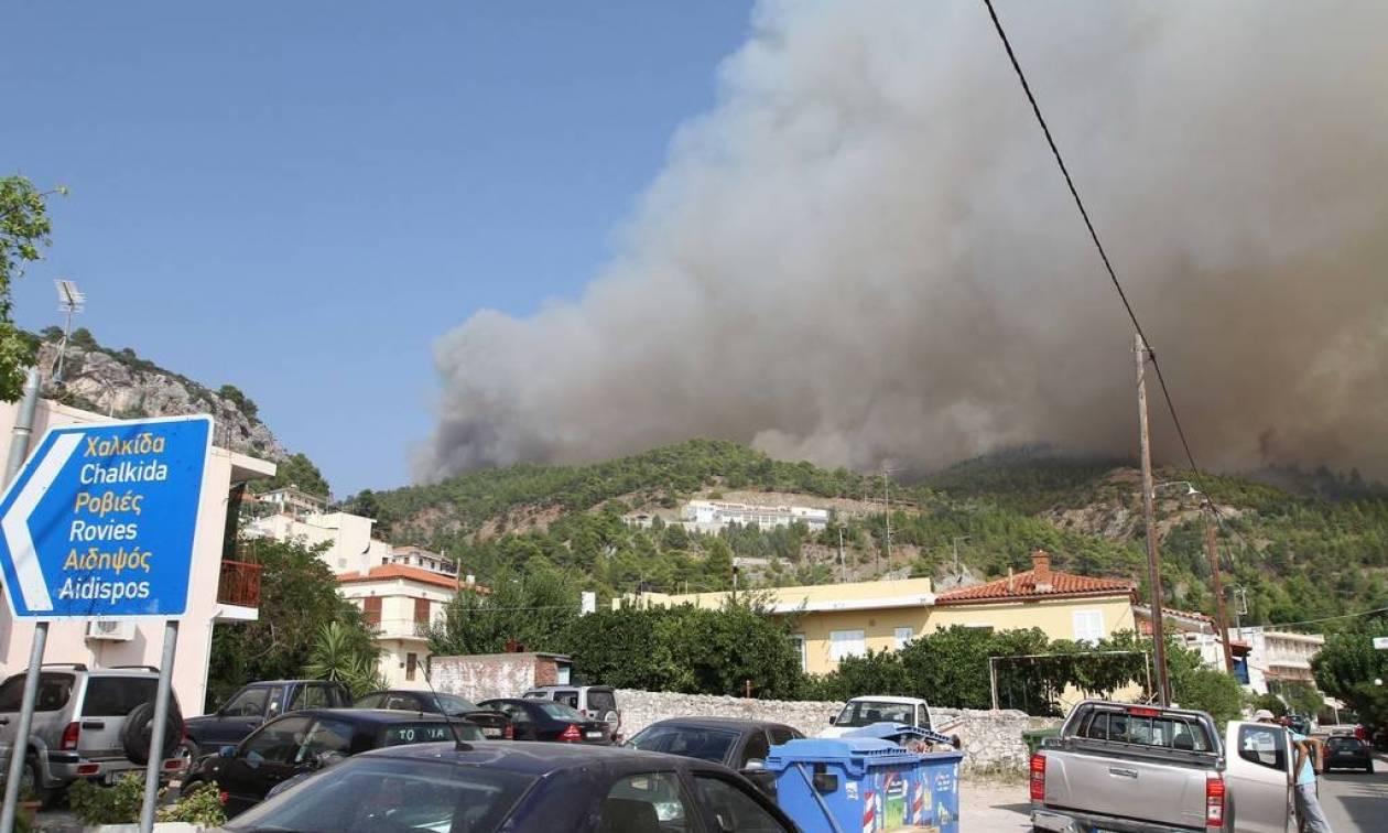 Φωτιά Εύβοια: «Σαρώνει» τα πάντα για τρίτη μέρα το πύρινο μέτωπο
