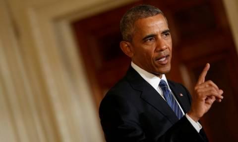 Πυρά Ομπάμα κατά Τραμπ: Δεν έχει τα προσόντα για να γίνει πρόεδρος των ΗΠΑ