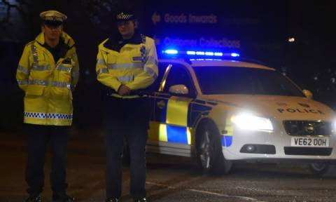 Неизвестный с ножом напал на людей в центре Лондона
