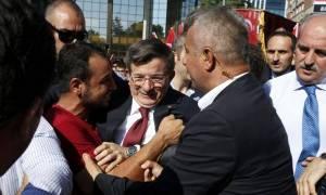 Τουρκία: Απείλησαν να σκοτώσουν τον Νταβούτογλου