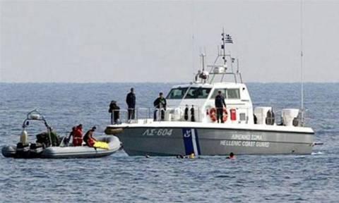 Αγωνιώδης διάσωση δεκάδων μεταναστών κοντά στα Κύθηρα