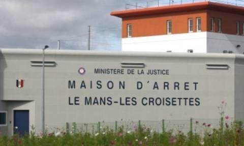 Συναγερμός στη Γαλλία: Τουλάχιστον ένας φύλακας όμηρος από κρατούμενο σε φυλακή