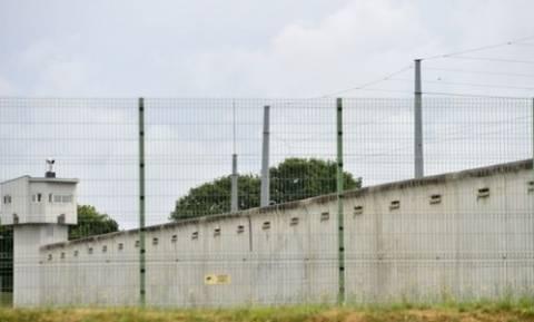 Γαλλία: Αίσιο τέλος στην ομηρία σωφρονιστικού υπαλλήλου από κρατούμενο