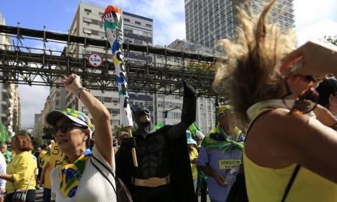 Ολυμπιακοί Αγώνες 2016: Γυμνές διαμαρτυρίες μετά... μουσικής (vid)