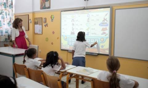 Αναπληρωτές εκπαιδευτικοί: Τεράστια τα κενά στα σχολεία ένα μήνα πριν το πρώτο κουδούνι