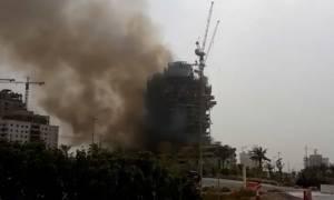 Τεράστια φωτιά σε ουρανοξύστη στο Ντουμπάι (vid)