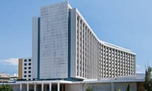 «Αλλαγή σκυτάλης» στην ιδιοκτησία του Hilton: Σε ποια χέρια περνά το γνωστό ξενοδοχείο
