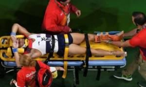 Απίστευτο! Ο Γάλλος αθλητής  έπεσε από τα χέρια των τραυματιοφορέων!