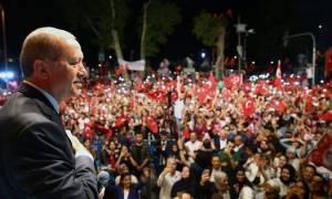 Ερντογάν: «Εάν ο λαός θέλει τη θανατική ποινή, τα κόμματα θα ακολουθήσουν»