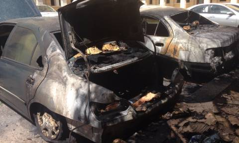 Επίθεση στην Μονή Πετράκη - Πέταξαν μολότοφ κι έκαψαν αυτοκίνητα (photos)