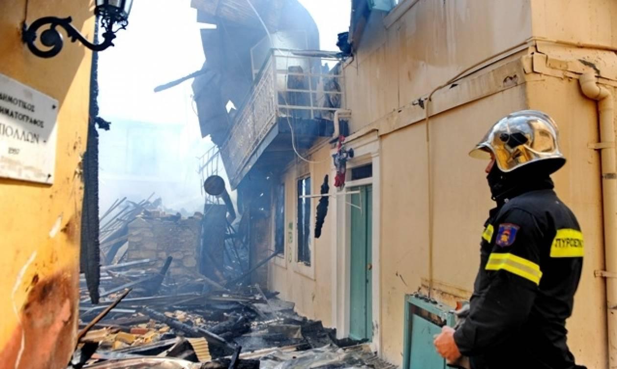 Μεγάλη καταστροφή στη Λευκάδα από πυρκαγιά: Έγιναν στάχτη δέκα σπίτια
