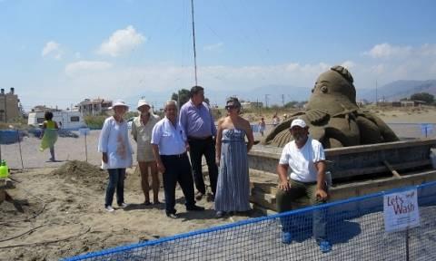 Μαγεύουν τα γλυπτά από άμμο στην Αμμουδάρα (pics)