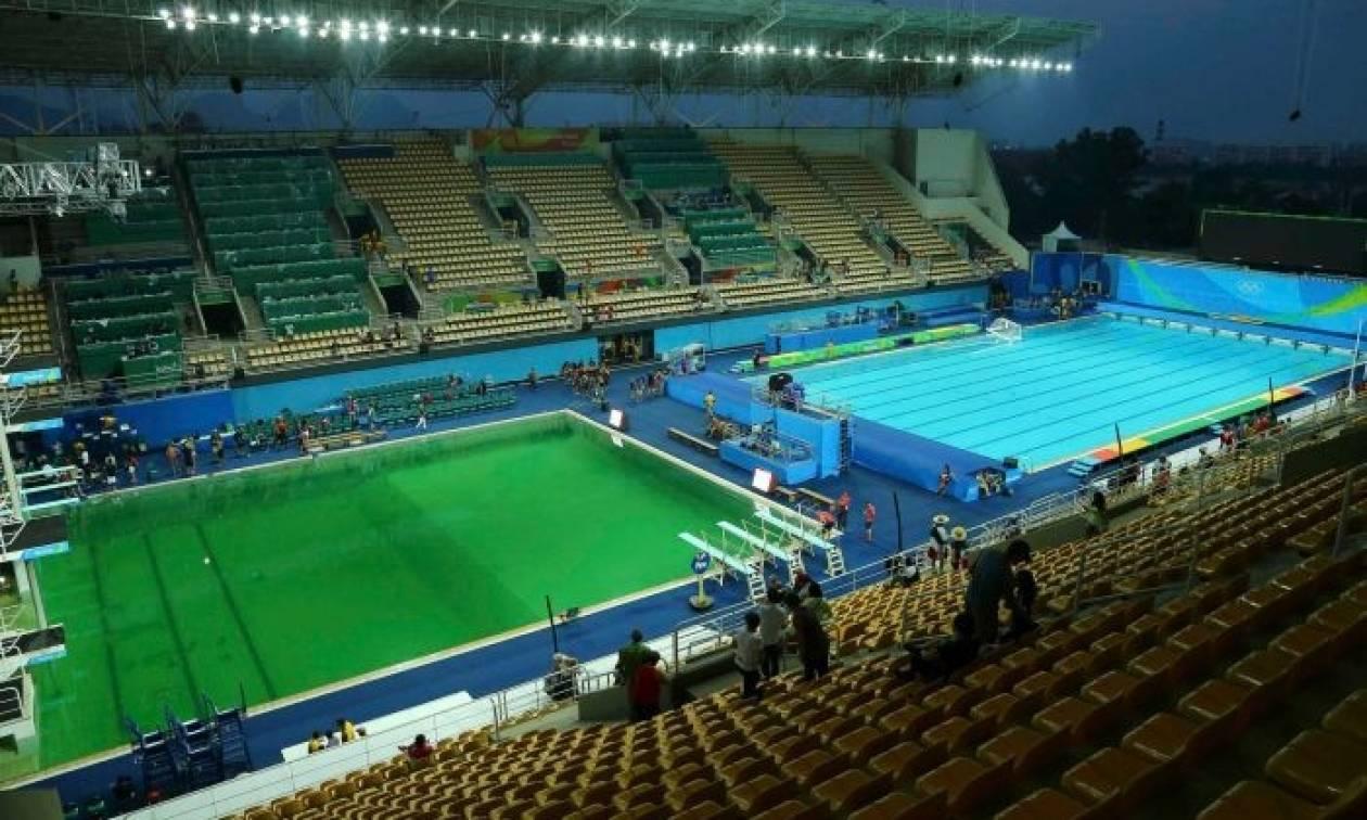 Ολυμπιακοί Αγώνες 2016: Το νερό έγινε πράσινο (!!!) στο κολυμβητήριο - Τι συνέβη