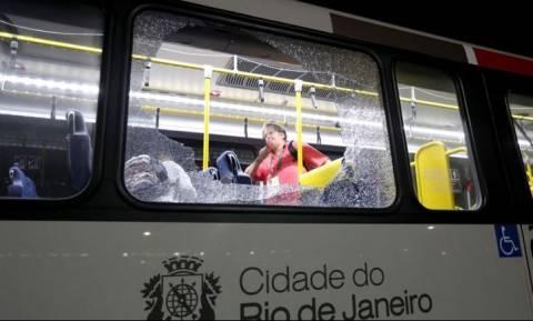 Ολυμπιακοί Αγώνες 2016: Επίθεση με όπλα σε λεωφορείο δημοσιογράφων! (pics)