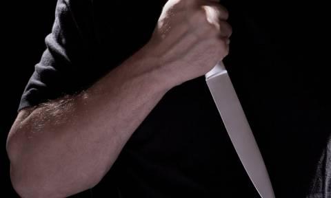 Ναυτικός επιτέθηκε και τραυμάτισε δύο συναδέλφους του με μαχαίρι