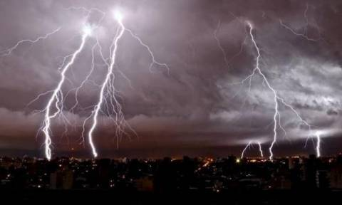 Έκτακτο δελτίο επιδείνωσης καιρού – Πού θα «χτυπήσει» η κακοκαιρία τις επόμενες ώρες