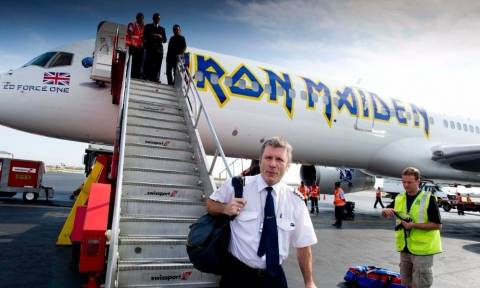 Air Djibouti: Ξανά στον αέρα με πιλότο τον τραγουδιστή των Iron Maiden Μπρους Ντίκινσον (Vid)