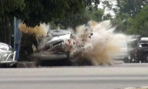 Ισχυρές εκρήξεις σε τουριστικό θέρετρο στην Ταϊλάνδη - Τουρίστες μεταξύ των θυμάτων (Pics & Vid)