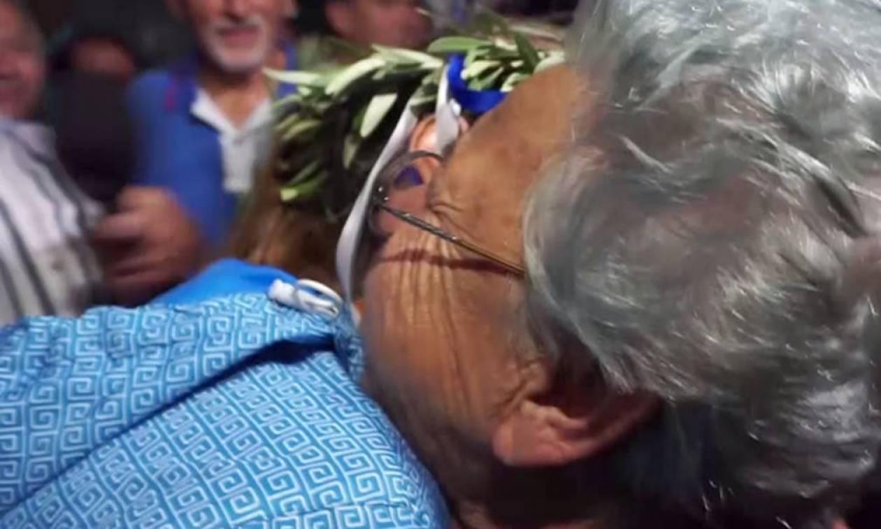 Άννα Κορακάκη: Η μεγάλη αγκαλιά της γιαγιάς στη χρυσή Ολυμπιονίκη (vid)