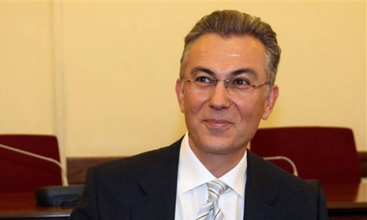 Ρουσόπουλος: Μόνο σε Τουρκμενιστάν και Βόρεια Κορέα συναντάμε τέσσερις τηλεοπτικές άδειες