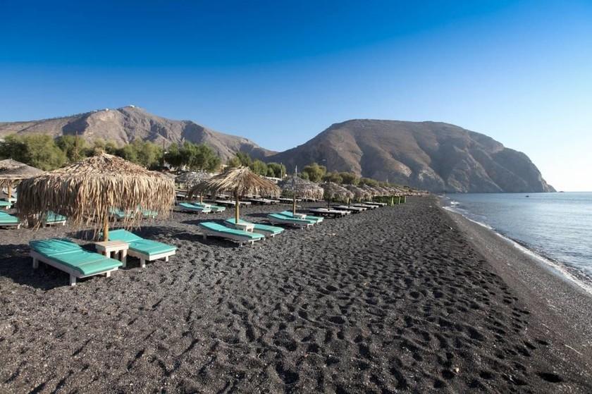 Νίσυρος και Σαντορίνη: Δύο νησιά με… ηφαιστειακή ομορφιά!