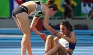 Ρίο 2016 - Η αποθέωση του Ολυμπιακού ιδεώδους: Έπεσαν αλλά συνέχισαν να τρέχουν χέρι - χέρι (vid)