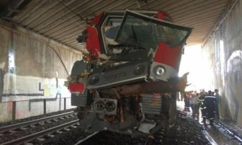 Σιδηροδρομικό ατύχημα στη Γαλλία - Τουλάχιστον 60 τραυματίες, οι 10 σοβαρά (pics+vids)