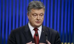 Ουκρανία: Έτοιμος να επιβάλει στρατιωτικό νόμο ο Ποροσένκο