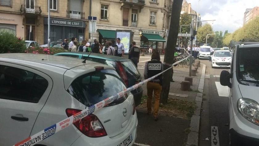 Νέος συναγερμός στη Γαλλία: Τζιχαντιστής μαχαίρωσε ραβίνο στο Στραβούργο (pics)
