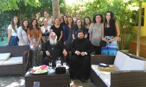 Επίσκεψη Αρχιεπισκόπου στις κατασκηνώσεις στον Αυλώνα