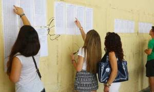 Βάσεις 2016: Ανατροπές στις σχολές την τελευταία στιγμή - «Ασανσέρ» τα μόρια