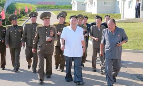 «Σχέδια δολοφονιών απεργάζεται η Βόρεια Κορέα για να σταματήσει το κύμα αυτομολήσεων πολιτών της»