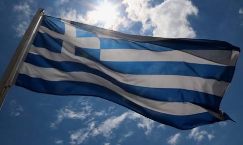 Ποιοι ντρέπονται να σηκώσουν τη σημαία και να τραγουδήσουν τον Εθνικό Ύμνο;