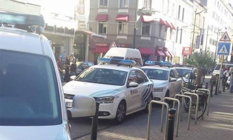 Νέος συναγερμός στο Βέλγιο: Επίθεση γυναίκας με ματσέτα σε επιβάτες λεωφορείου (photos)