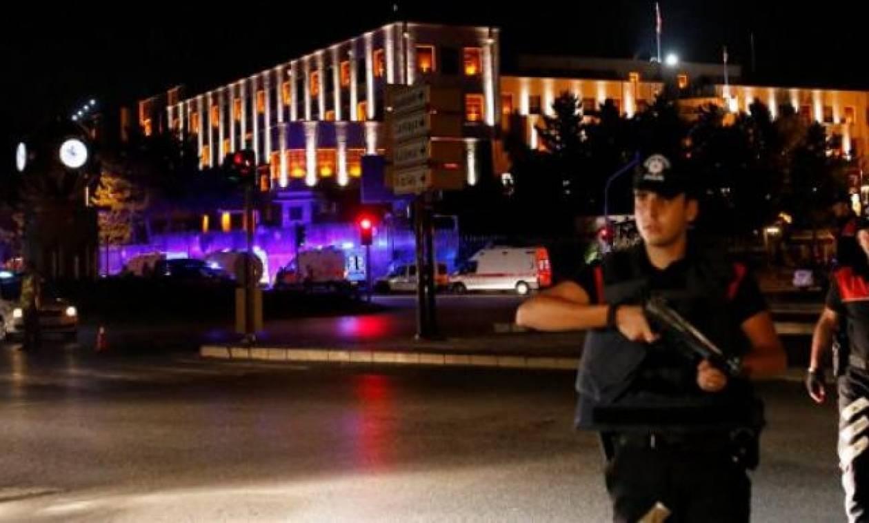 Τουρκία: Αποχωρούν από τις μεγάλες πόλεις τα άρματα μάχης