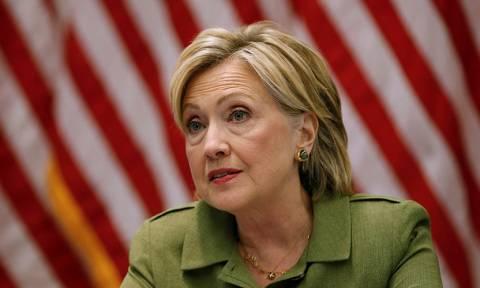 ΗΠΑ: Νέα αποκάλυψη 14.900 emails της Κλίντον ενδέχεται να φέρει τα πάνω-κάτω στην προεδρική κούρσα