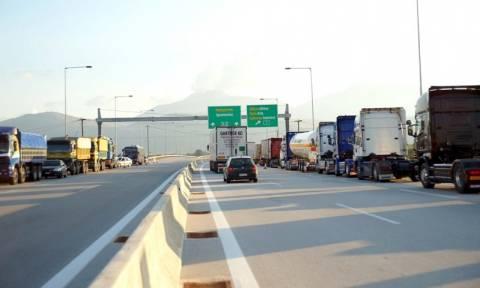 Έρχονται τσουχτερά πρόστιμα για φορτηγά που κινούνται χωρίς άδεια στο παράπλευρο οδικό δίκτυο