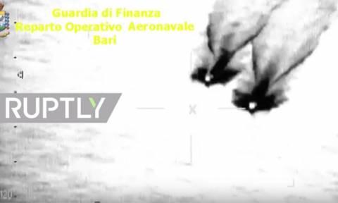 Κινηματογραφική καταδίωξη εμπόρων ναρκωτικών στη θάλασσα! (vid)