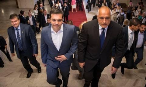 Πάει Παρίσι με τους σοσιαλιστές ο Τσίπρας – Τι συζητήθηκε στο άτυπο κυβερνητικό συμβούλιο