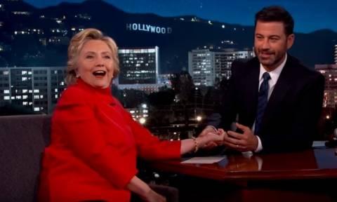 Χίλαρι ενόψει τηλεμαχιών με Τραμπ: Ετοιμαστείτε για ... παλαβά πράγματα! (vid)