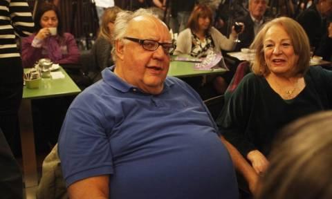 Δεν σταματά να προκαλεί ο Πάγκαλος: Βρήκε την ταβέρνα «μαζί τα φάγαμε» και τρολάρει (photo)