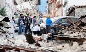 Σεισμός στην Ιταλία: Εικόνες Αποκάλυψης άφησε πίσω του ο εγκέλαδος (photo-video)