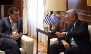 Προσφυγικό: Τι συζήτησαν Παυλόπουλος και Τσίπρας με τον Ύπατο Αρμοστή του ΟΗΕ (vid)