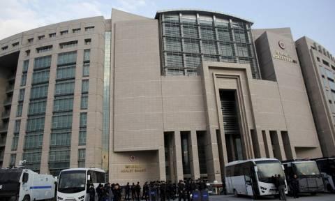 Τουρκία: Ακόμα 2.800 δικαστές και εισαγγελείς «καρατόμησε» ο Ερντογάν