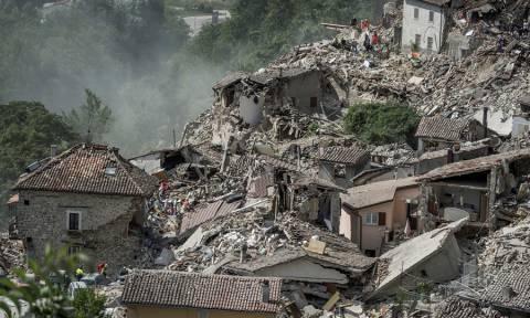 Σεισμός Ιταλία: Δεκάδες παραμένουν οι αγνοούμενοι – Στους 247 ο αριθμός των νεκρών (Pics & Vids)