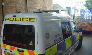Συναγερμός στο Λονδίνο: Επίθεση με μαχαίρι εναντίον άνδρα στον ηλεκτρικό