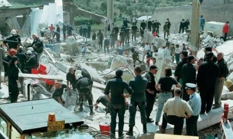 Σεισμός στην Αθήνα: Όταν το ρολόι σταμάτησε στις 14:56...